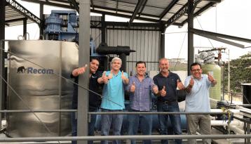 Happy customers in Ecuador